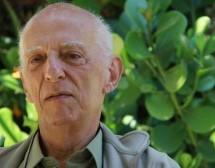 Assista grátis ao documentário: Rubem Alves – O professor de espantos