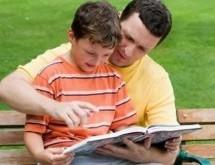 6 maneiras para ajudar seu filho a ler e escrever