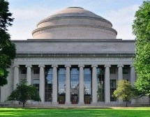 Universidade de Massachusetts oferece bolsa de estudo para brasileiro