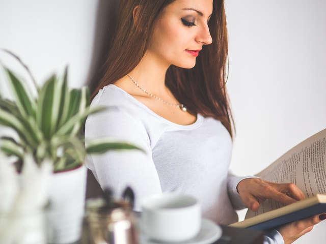 mulher-lendo