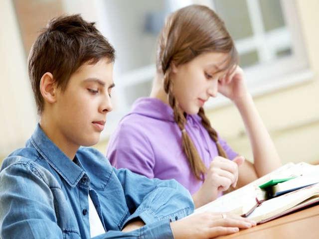 alunos-estudando