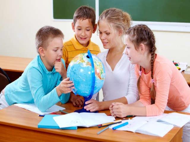 professora-e-alunos