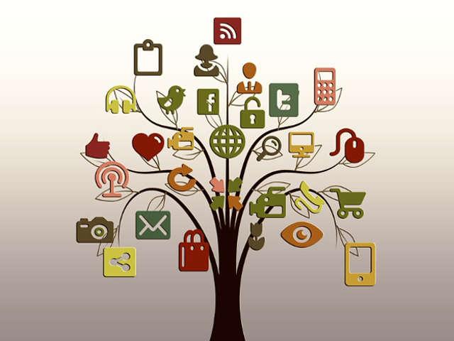 arvore-com-icones-de-redes-sociais