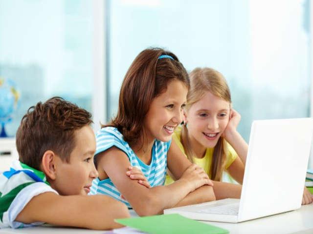 criancas-usando-a-tecnologia-na-escola