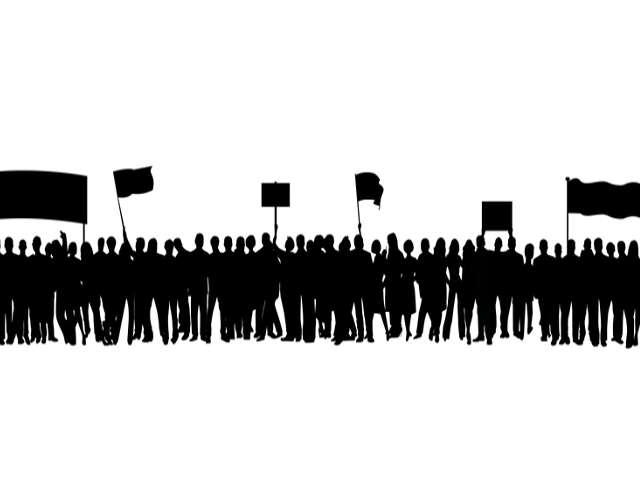 manifestantes-silhuetas