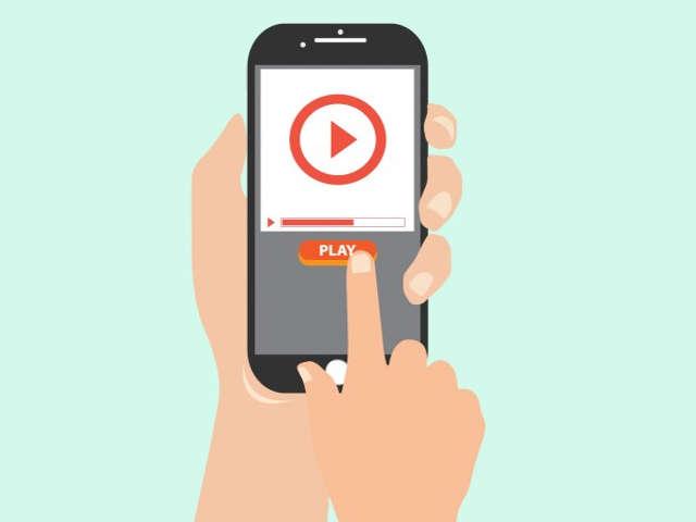 dedo-apertando-video-no-celular
