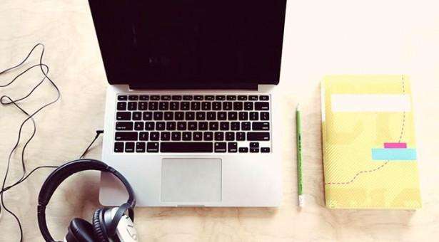 Onde encontrar texto com áudio em inglês para estudar?