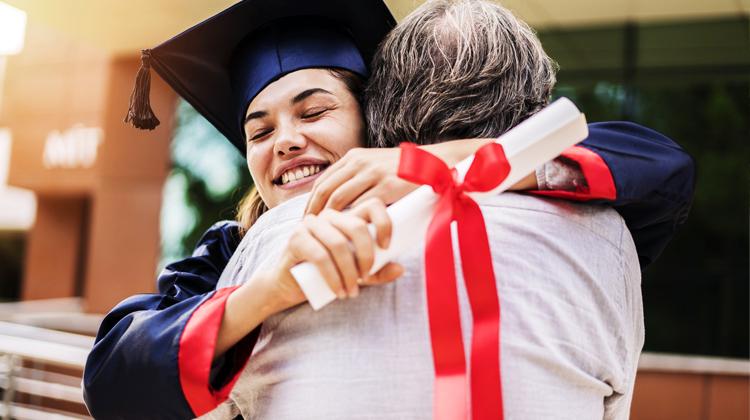 Site oferece mais de 110 mil bolsas de estudo para pós-graduação