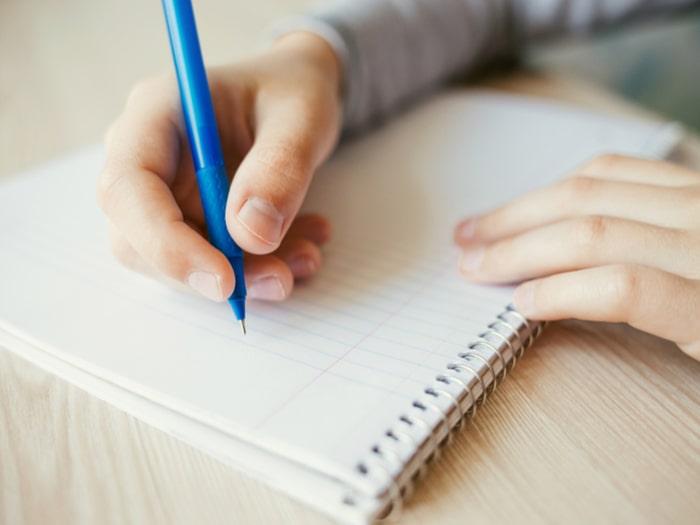 Como escrever resumo de livro