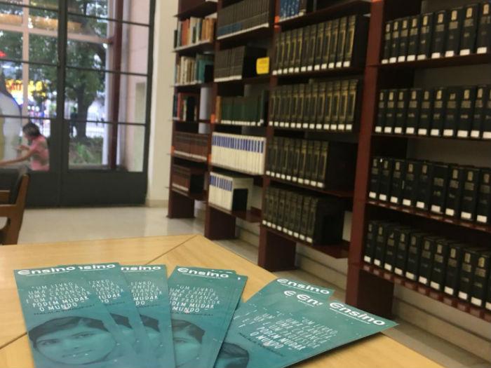 Canal do Ensino doa marcadores de livros para a Biblioteca Mário de Andrade
