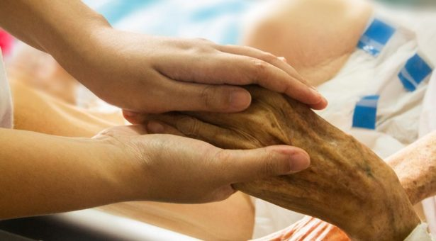 Curso grátis de cuidados paliativos