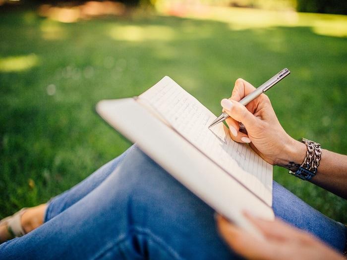 curso online de escrita criativa/ narração