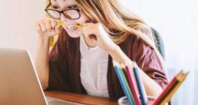 De Graça e Online, ferramenta edita textos dentro das normas da ABNT