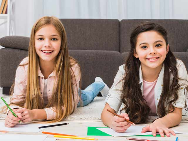 Brincadeiras com lápis e papel que ajudam na aprendizagem